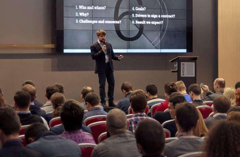 Oleksandr Medovoi speaking at a conference